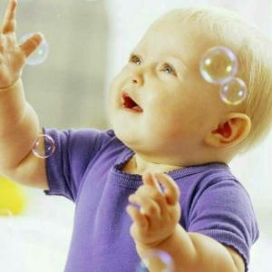 Babies love bubbles